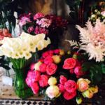 Plusieurs bouquets de fleurs