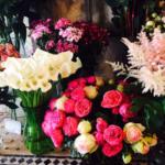 Plusieurs bouquets de l'arrosoir